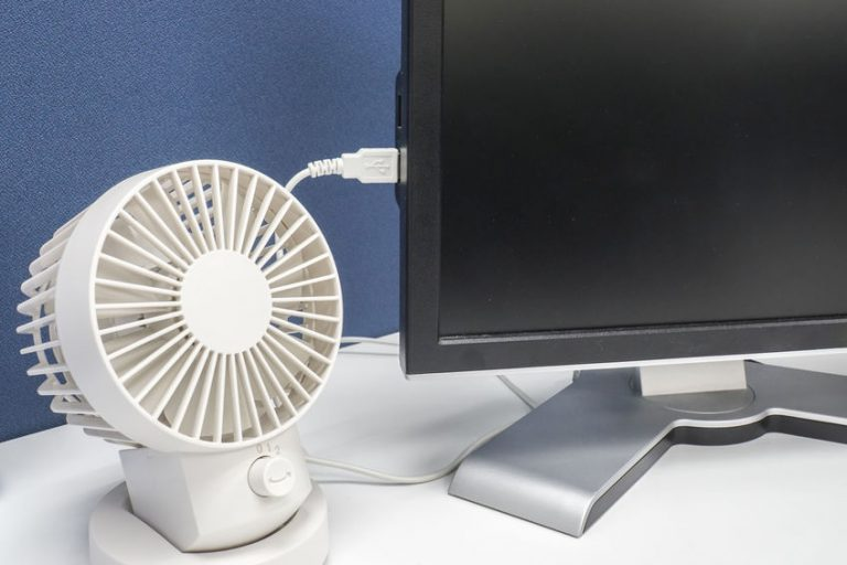 Ventilador conectado a computador