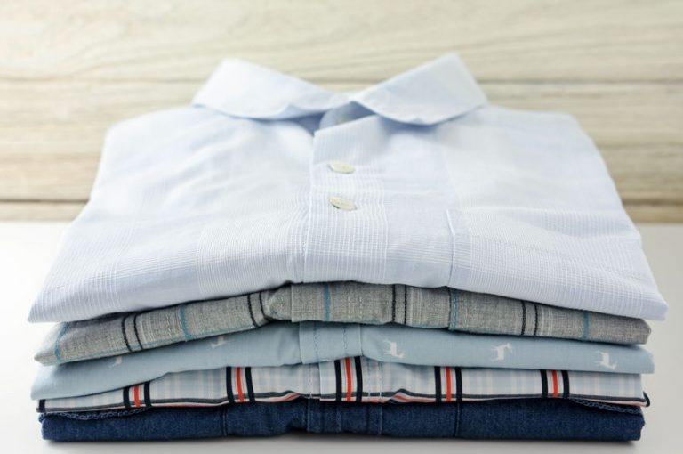 Un montón de ropa planchada