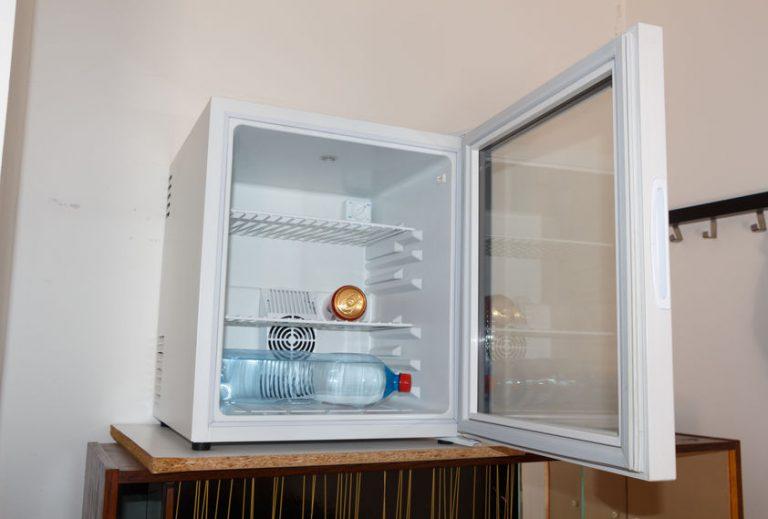 Congelador con cosas adentro