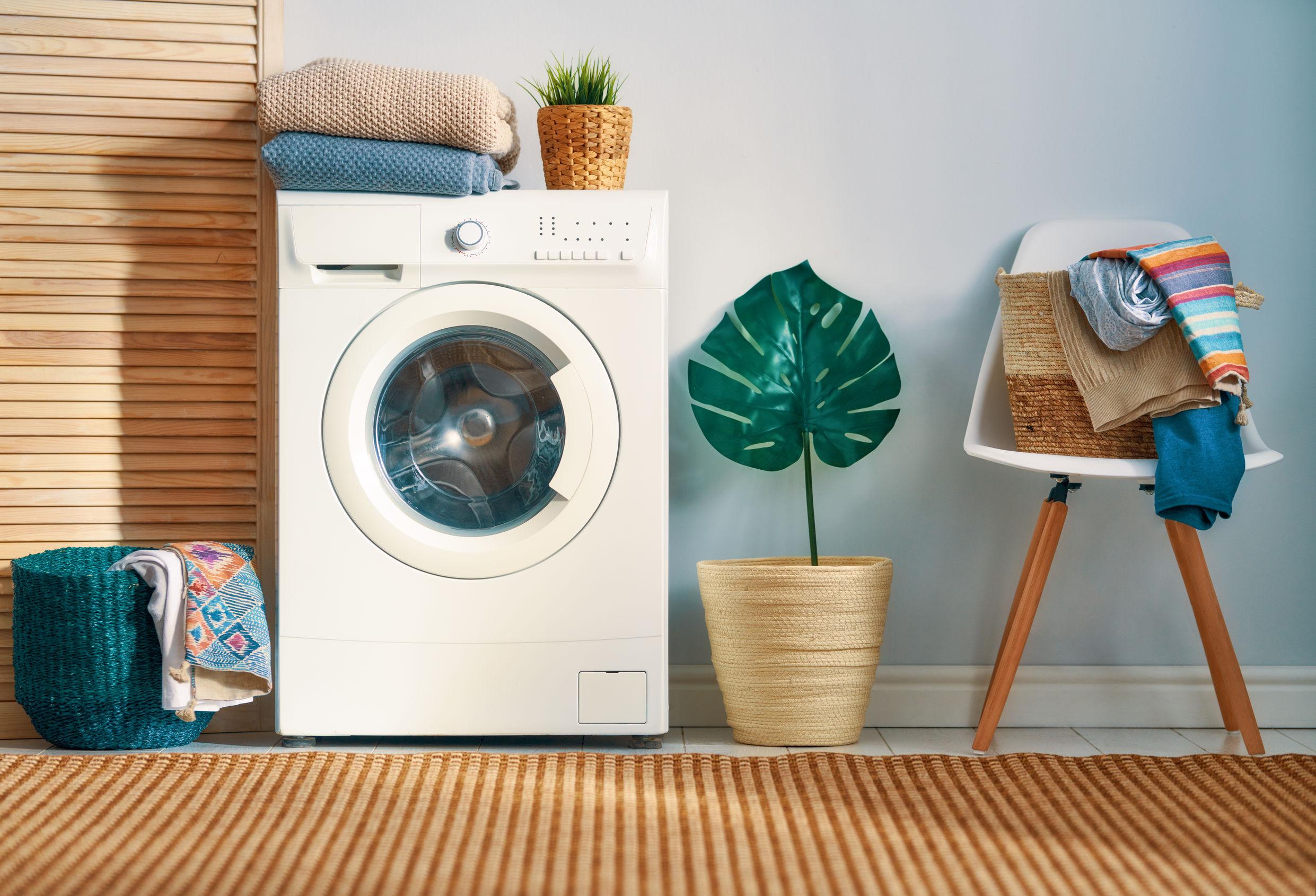 secadora en cuarto de lavado