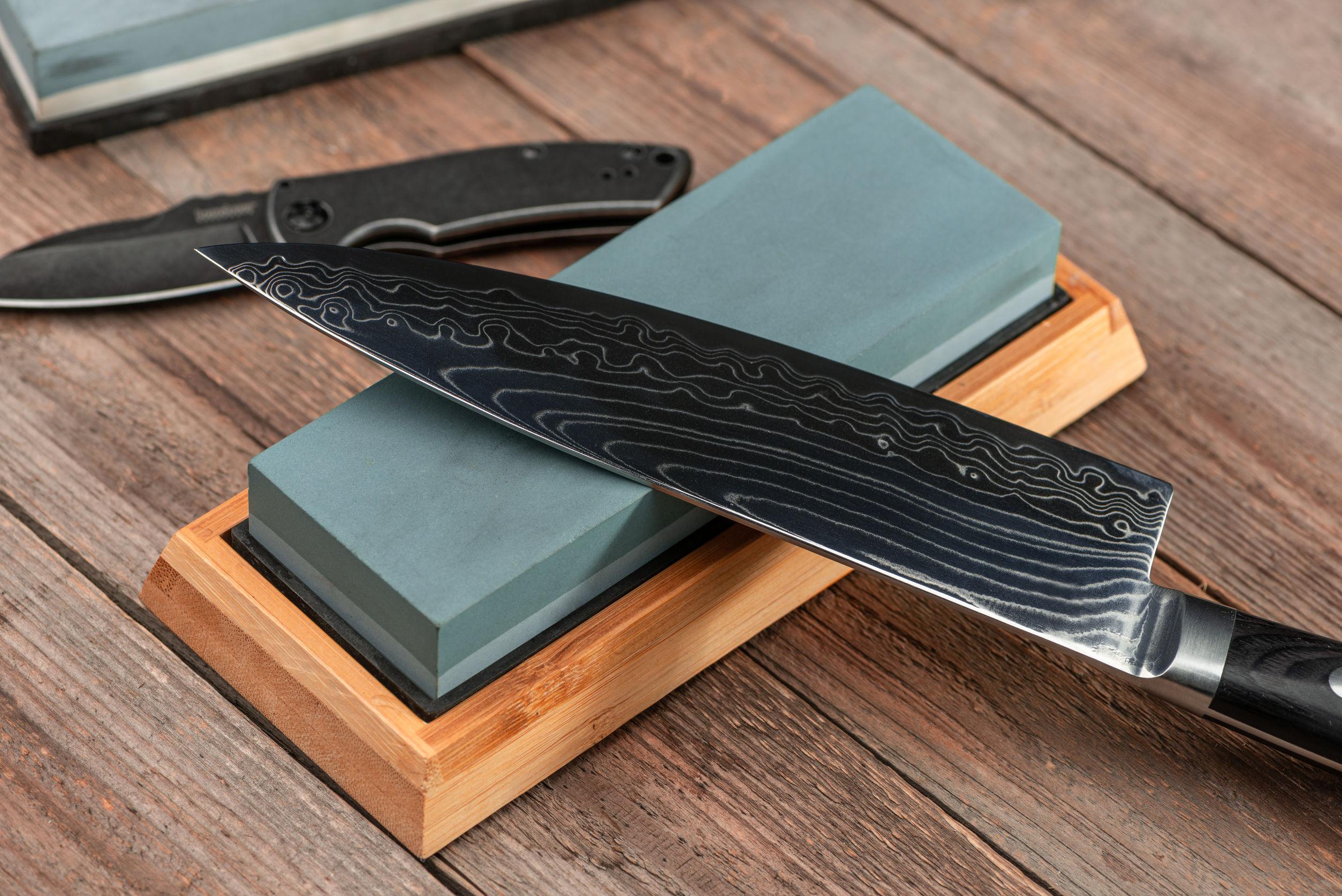Cuchillos y herramientas de mantenimiento.