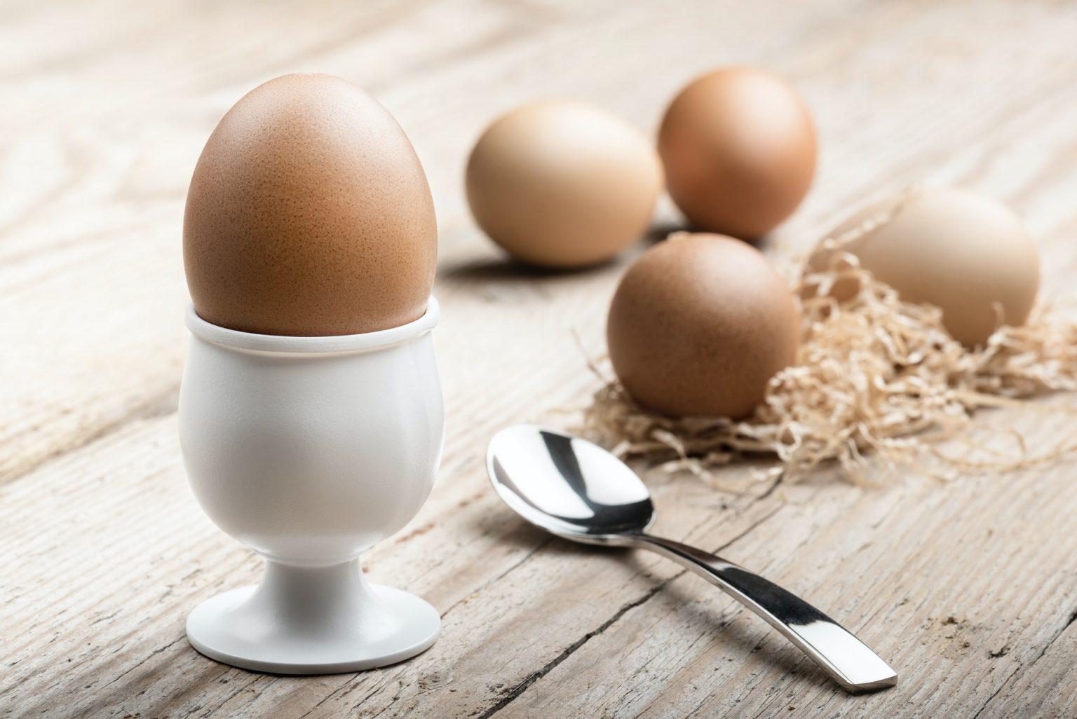 huevos cocidos listos para comer