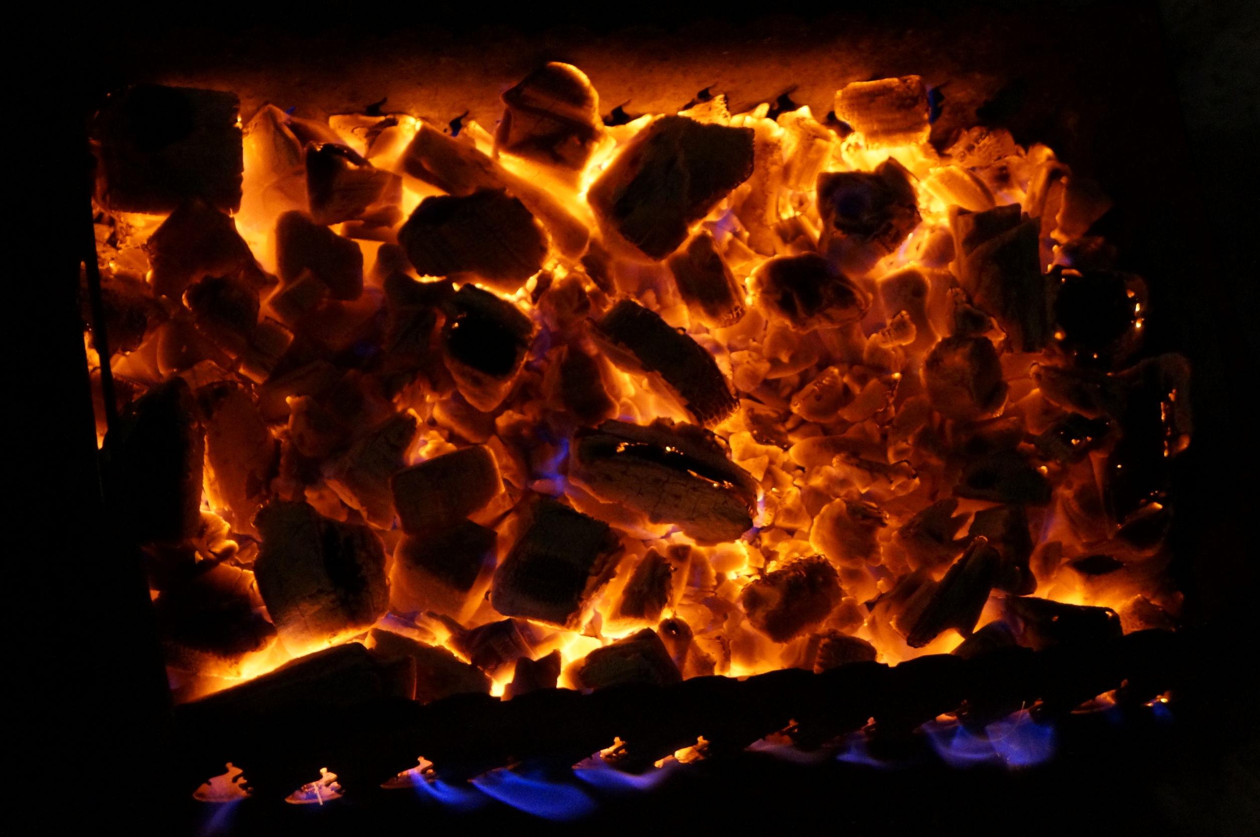 brasero con fuego