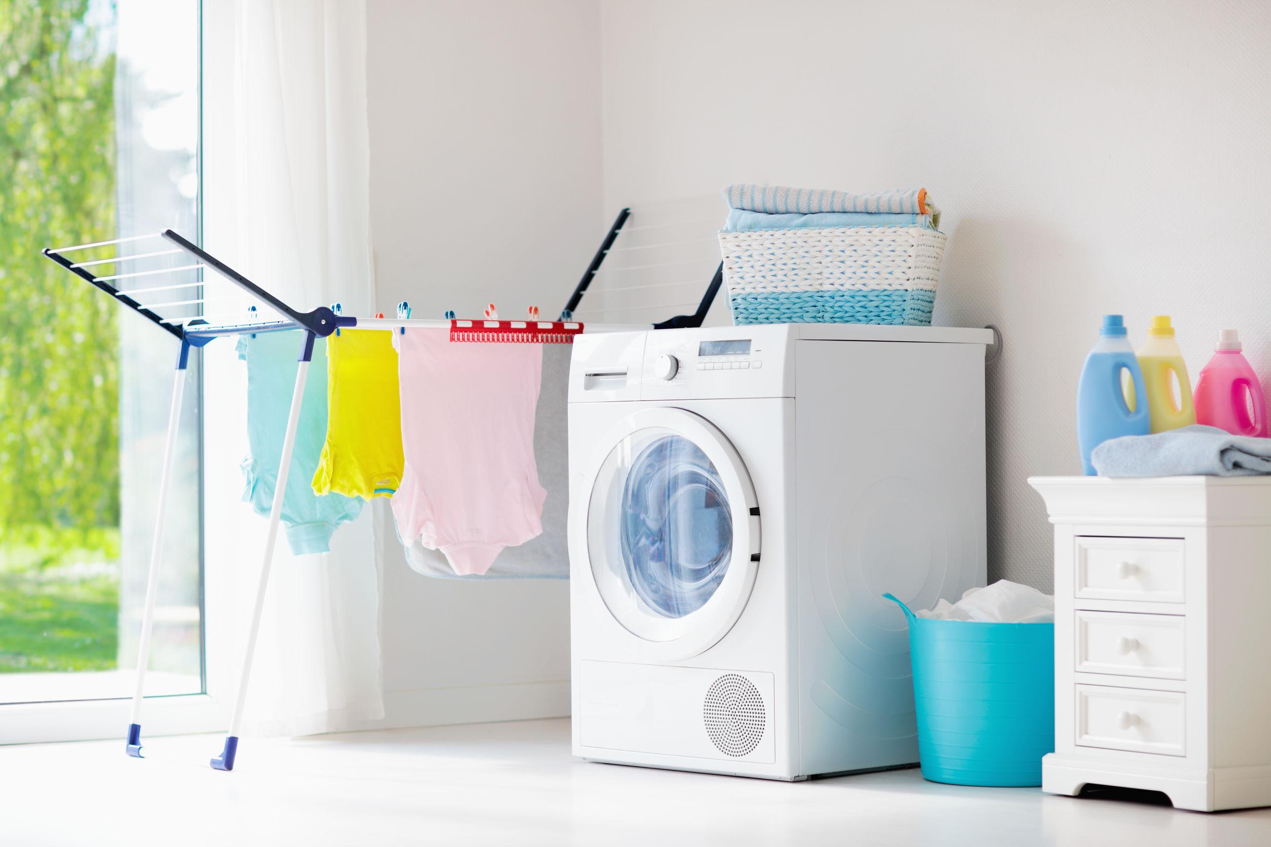 lavadora en laundry room