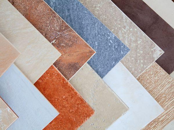 19283632 – samples of a ceramic tile in shop