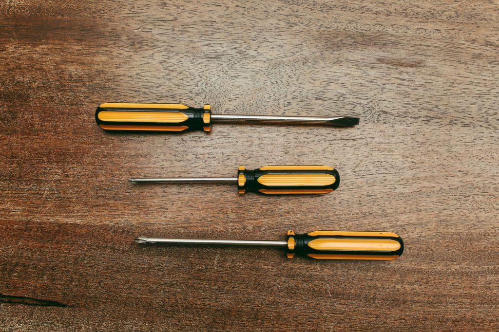 Su nombre se debe al tipo de tornillo para que el que fueron diseñados: los tornillos Torx.