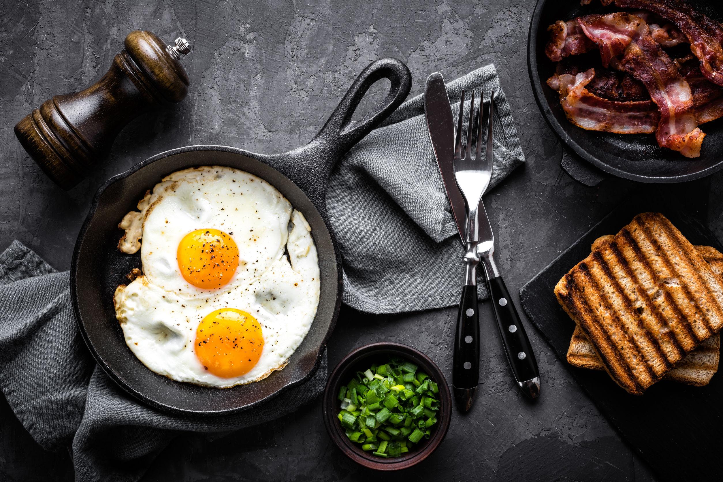 huevos, tocino