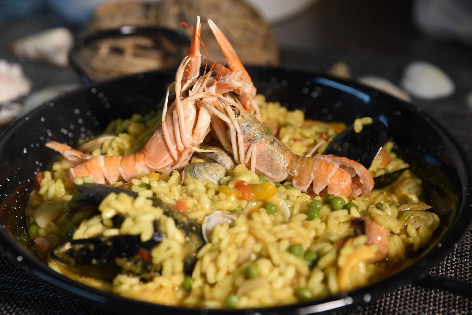 cazuela, arroz con camarones