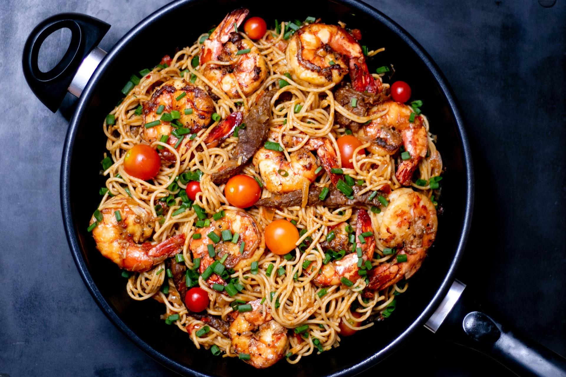 cazuela, spaghety, camarones