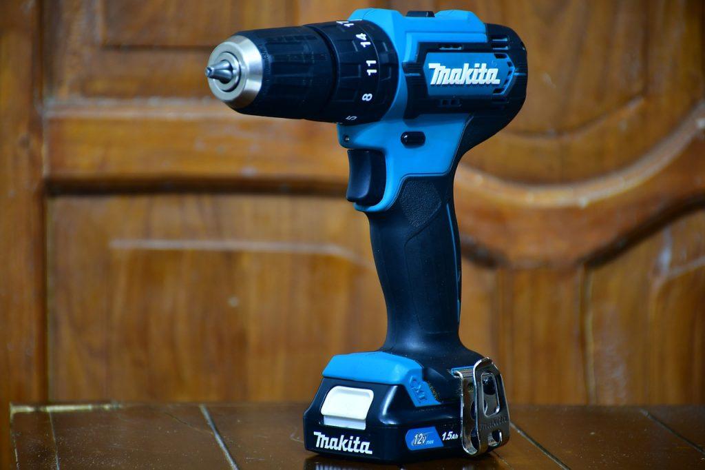 Taladro inalambrico azul