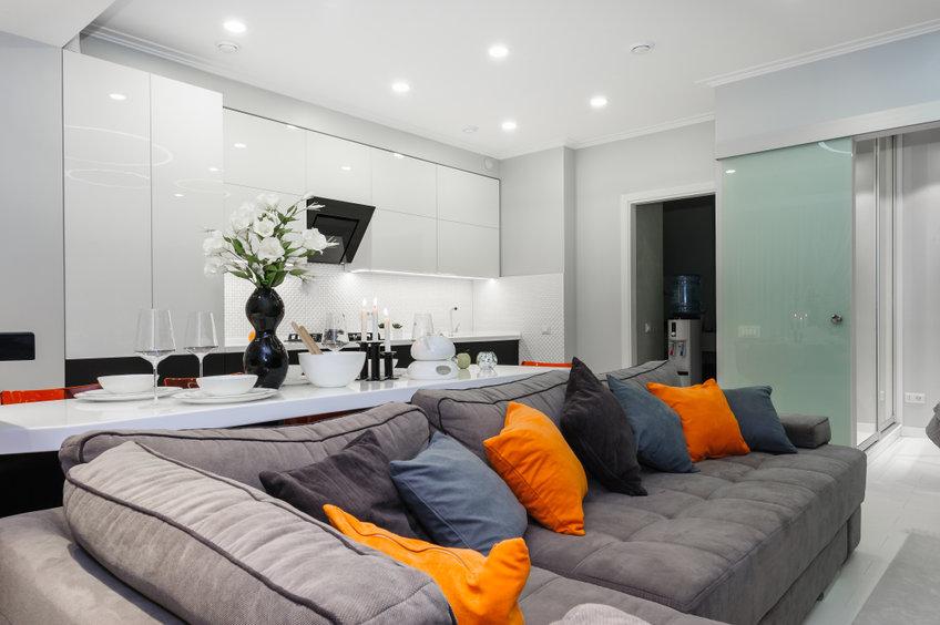 Ambiente de una casa diseñada a partir de un sofá con rinconera