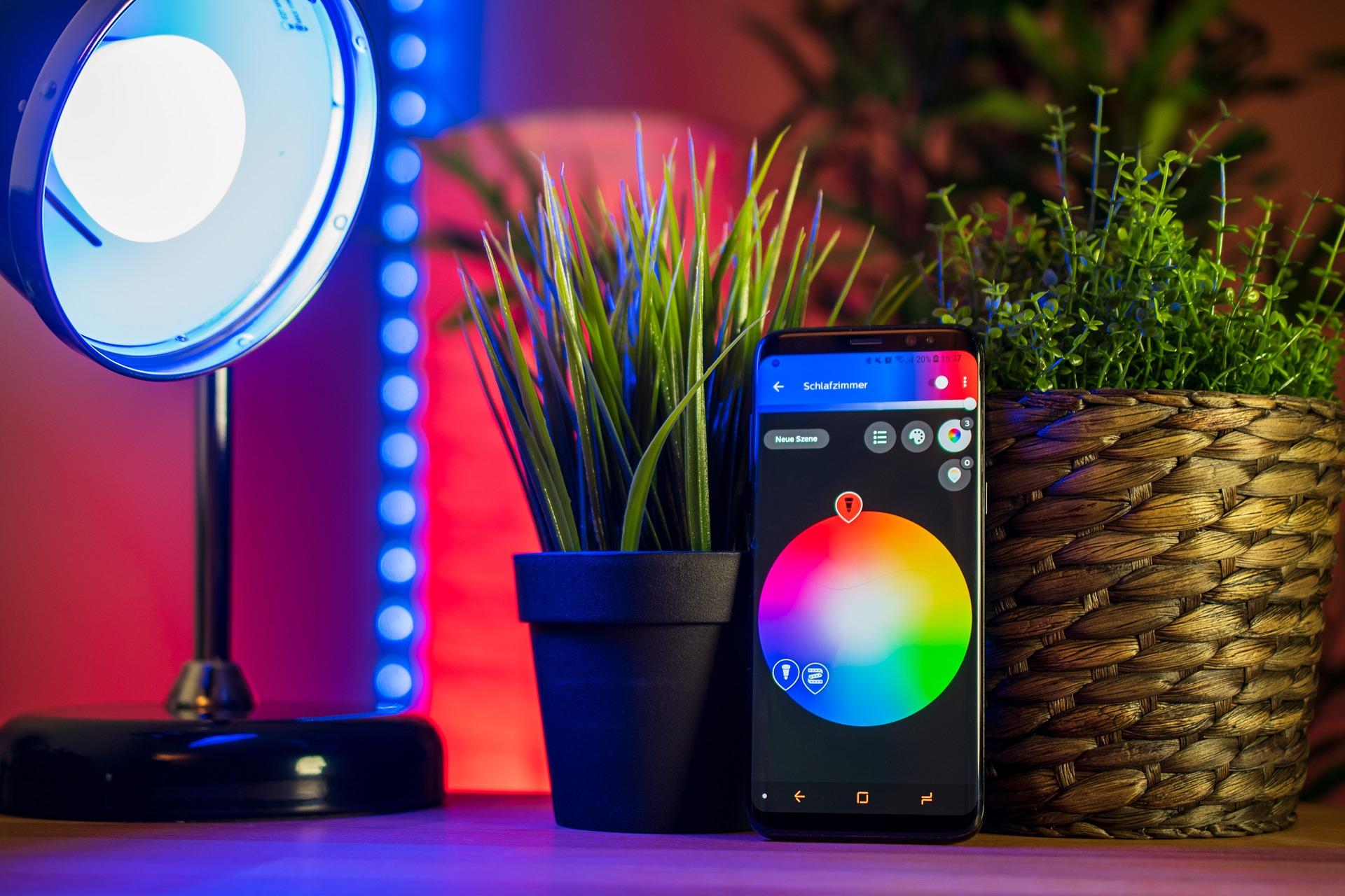 Lámparas inteligentes monitoreado con el celular