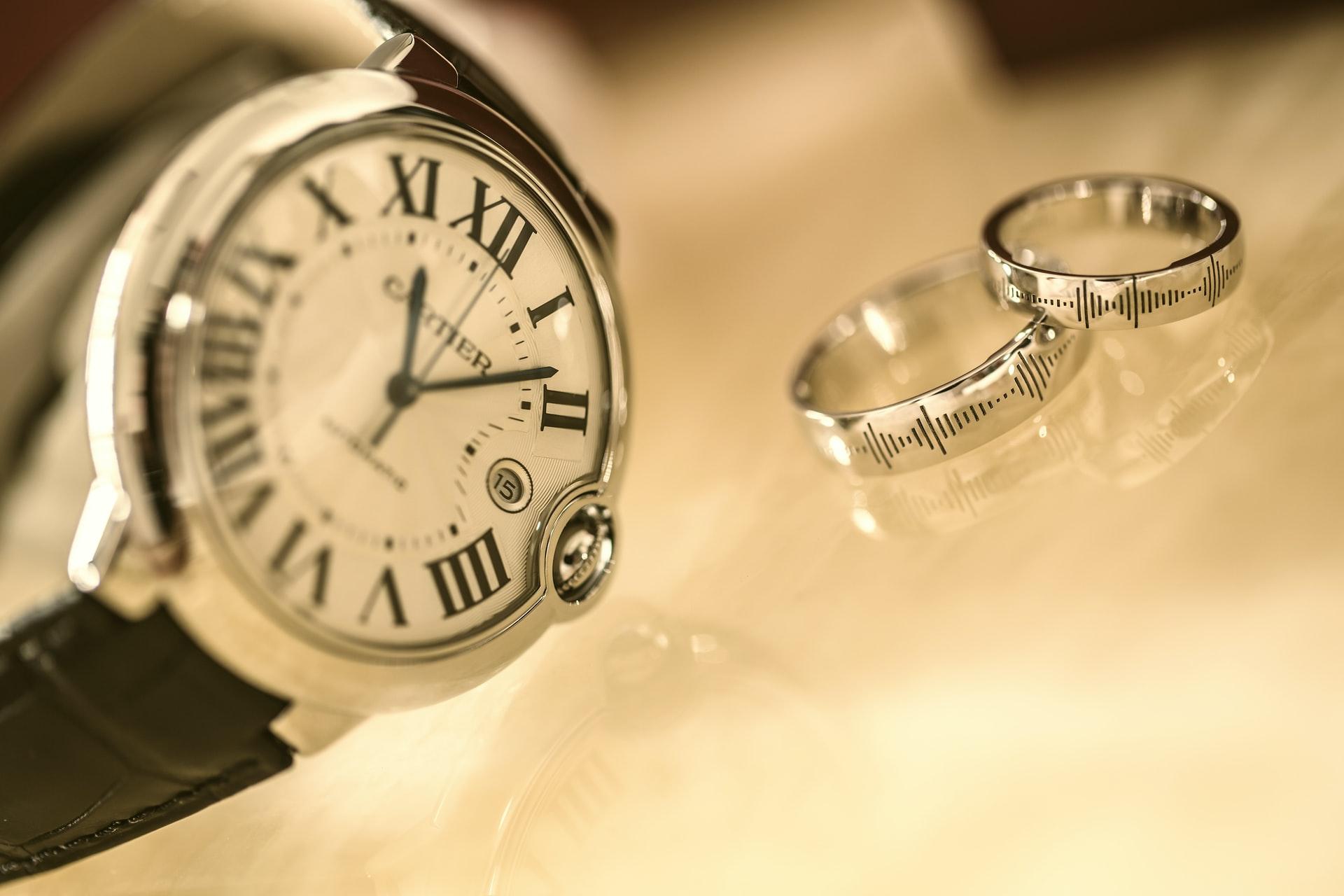 Imagen reloj con anillos