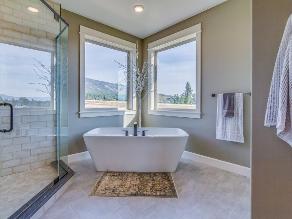 Amazing views while soaking in this freestanding tub